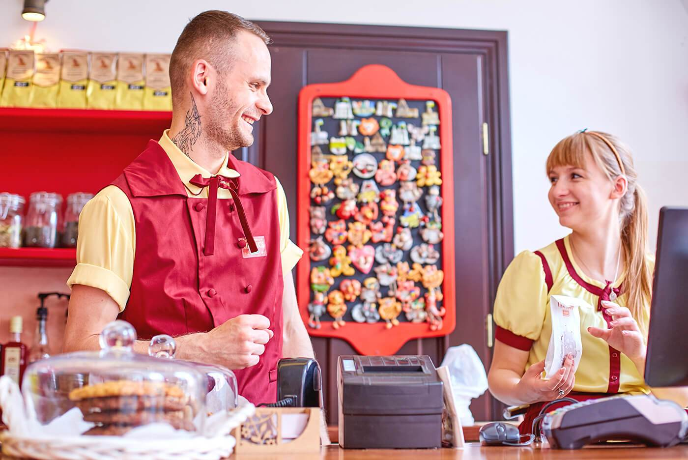 Дизайн одягу бармена та касира Львівської Майстерні Пряників «Юрашки»